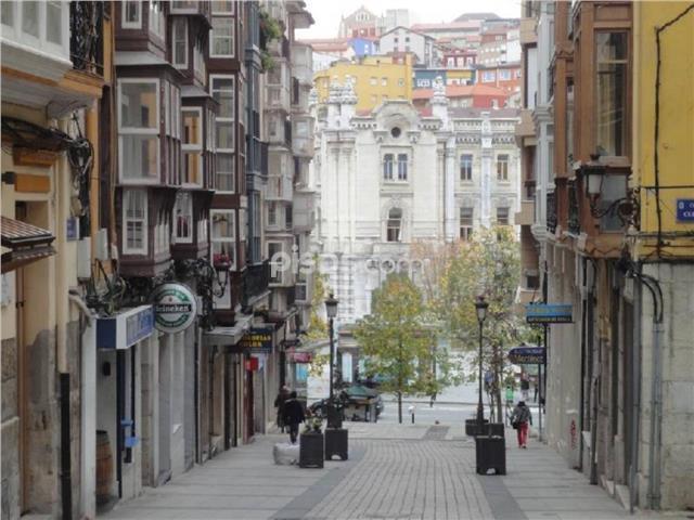 El Cabildo de Arriba, frente al Ayuntamiento de Santander