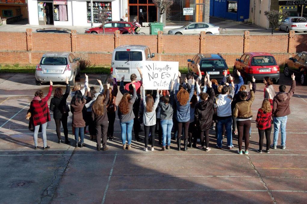 Protesta en la Escuela de Arte número 1 de Puente San Miguel