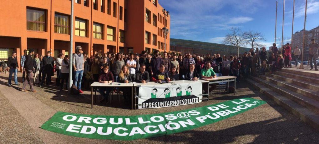 La comunidad educativa mostraba su apoyo a Preguntar No Es Delito esta semana.