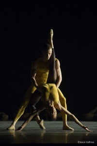 La Compañía Nacional de Danza en uno de los pasajes de 'Una noche con Forsythe'