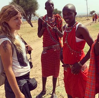 Lola Hierro en uno de sus viajes a África