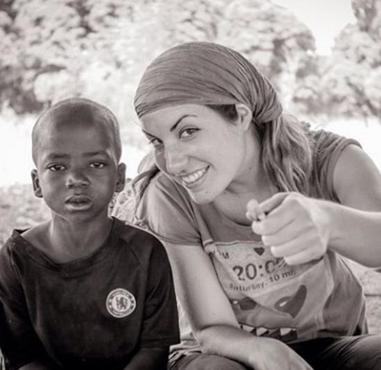 Lola Hierro en África