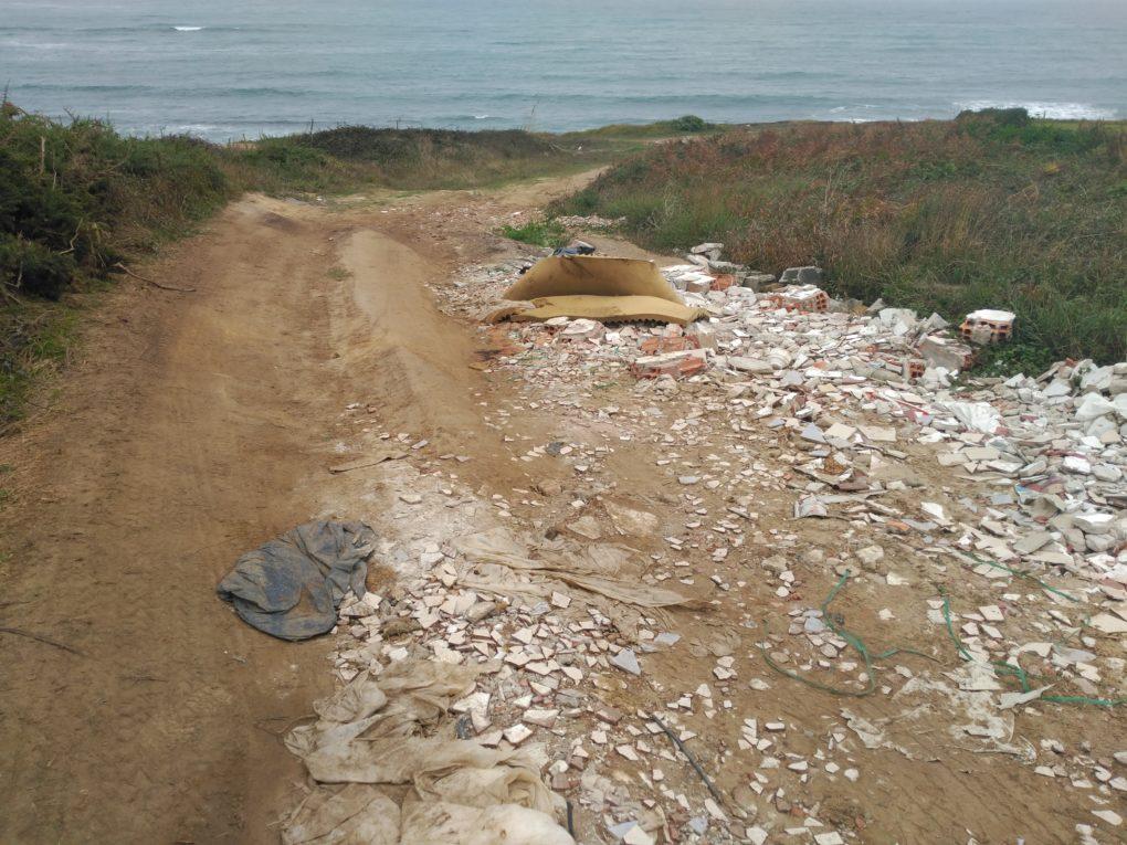 Basuras y vertidos en la zona de la costa norte.
