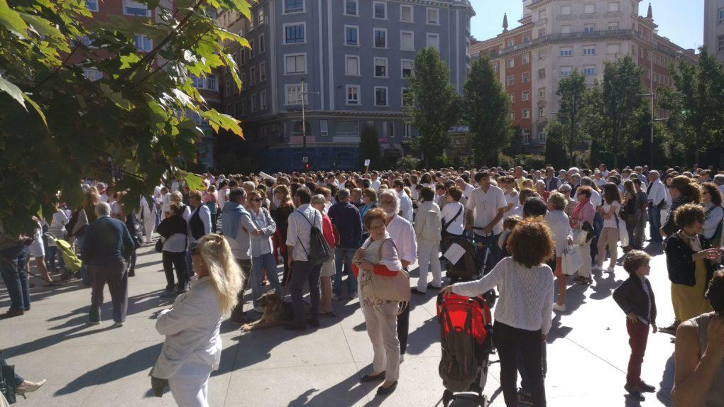 Cientos de c ntabros secundan la convocatoria por el - Matices santander ...